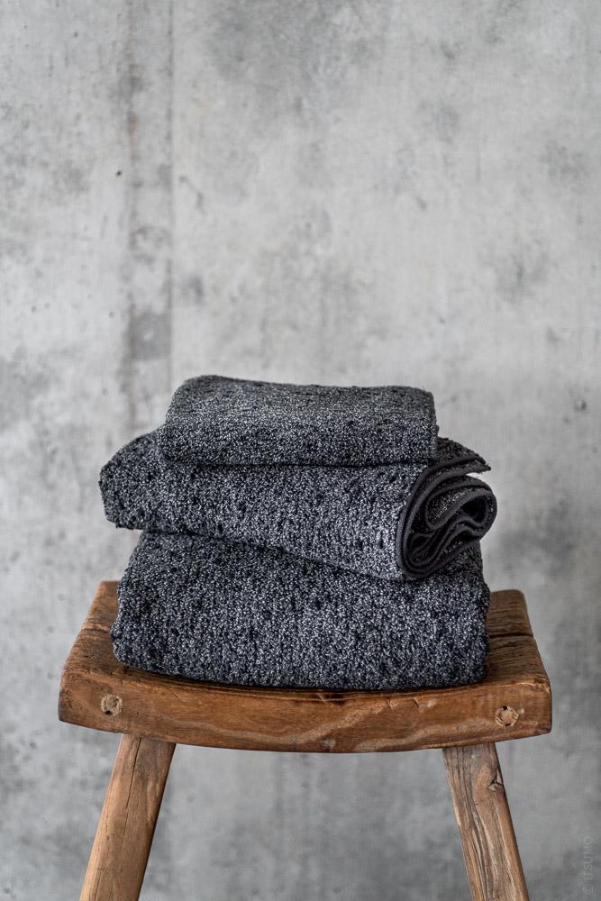 Uchino_Kishu Binchotan Charcoal Towel_black_top