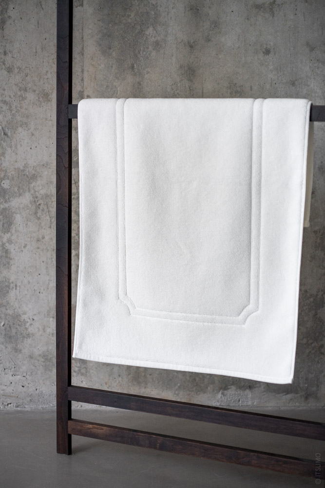 Uchino_Premium Bath Mat_white_top