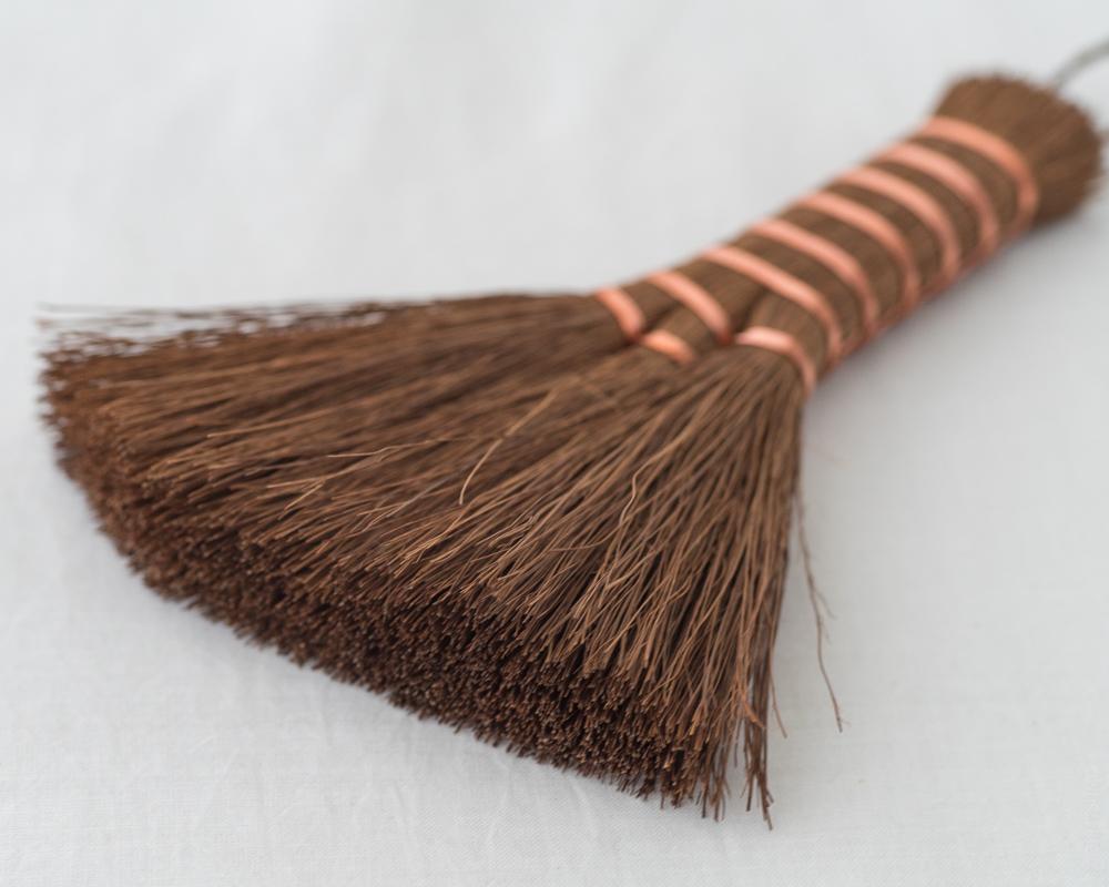 DSC04430KOBOUKI Shuro Broom - Hard (Slanted)