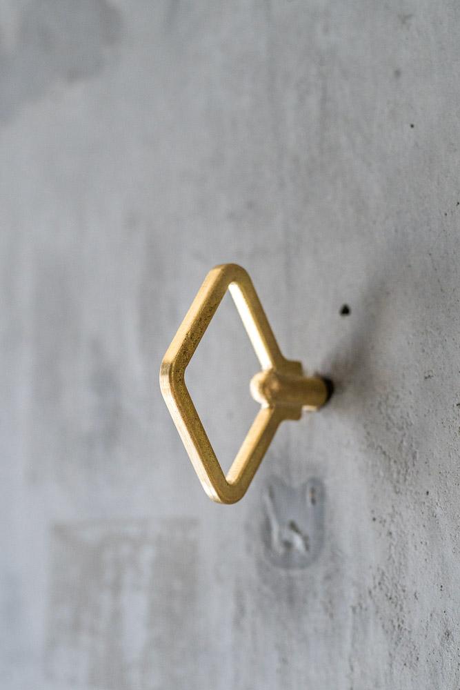 FUTAGAMI_Brass Zenmai Hook_diamond_top